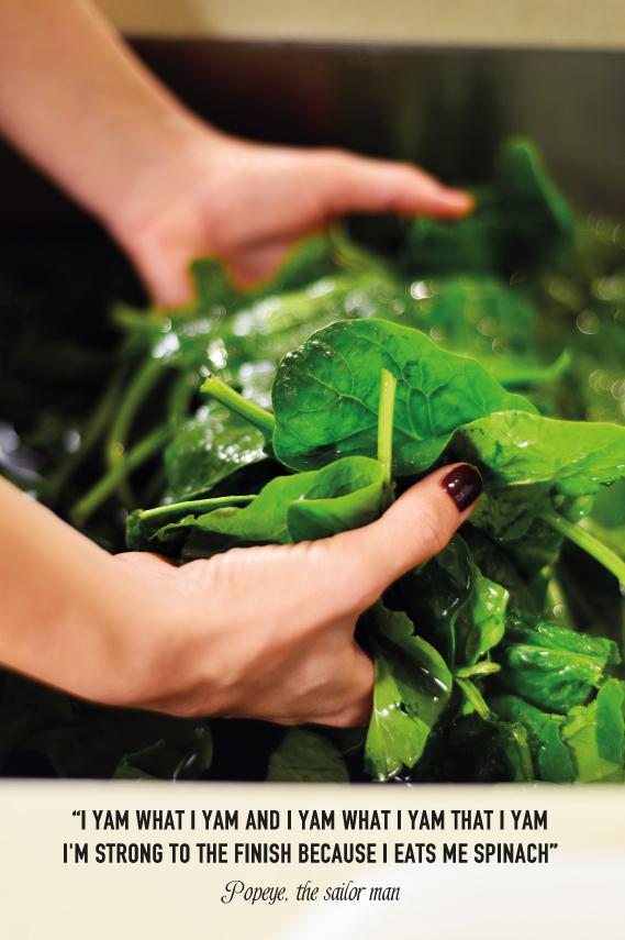 hands-spinach